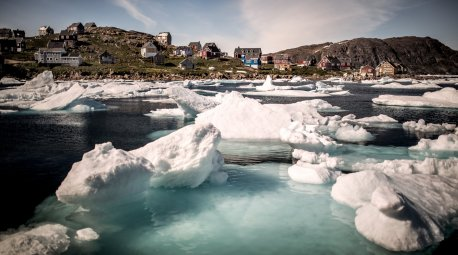 Ice in Kulusuk harbour in East Greenland.jpg